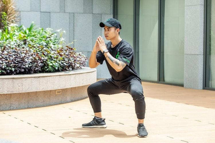 kết hợp squat cùng việc tập isometric