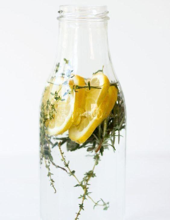 Nước lọc pha chanh, cam, quýt… là thức uống tuyệt vời để khống chế cơn thèm ăn