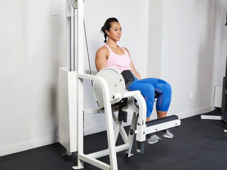 Máy tập leg extension có khả năng gây áp lực lên khớp gối, dễ dẫn đến chấn thương